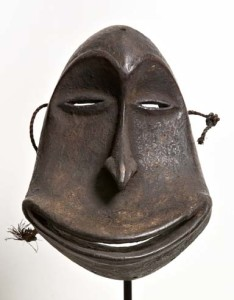 Hemba Mask image courtesy the artist and Gallery Jatad